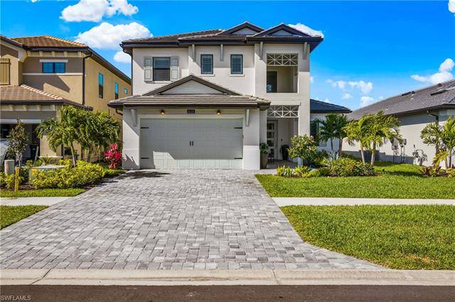 10125 Florence Cir, Naples, FL 34119
