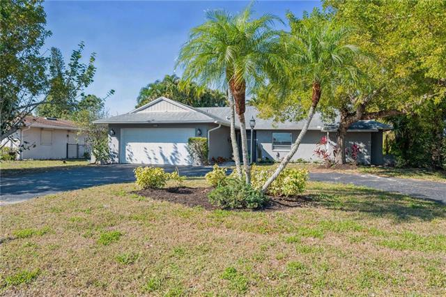 144 Doral Cir, Naples, FL 34113
