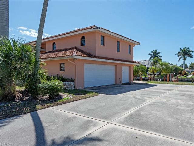 214 Rockhill Ct, Marco Island, FL 34145