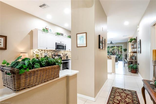 4844 Hampshire Ct 104, Naples, FL 34112