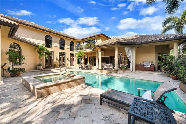 2300 Beacon Ln, Naples, FL 34103