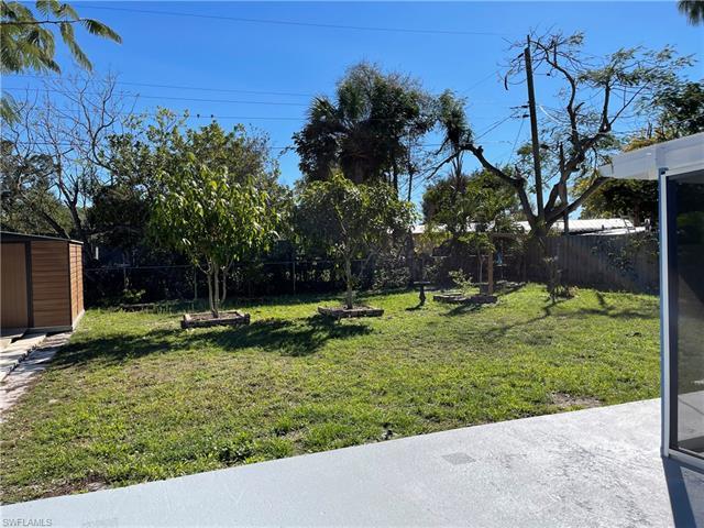 3918 Coconut Cir N, Naples, FL 34104