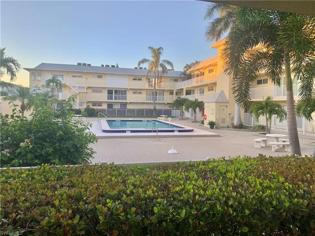 1100 8th Ave S 102a, Naples, FL 34102