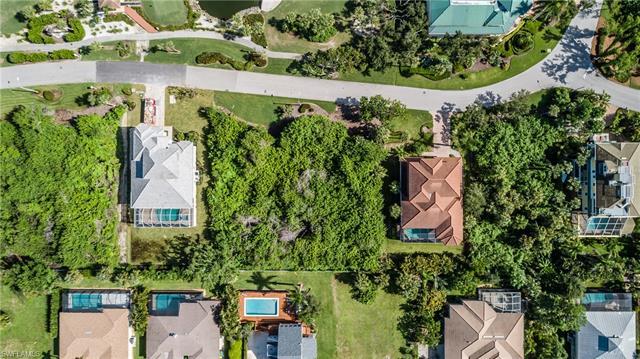 335 Hideaway Cir S, Marco Island, FL 34145