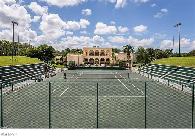 3323 Olympic Dr 724, Naples, FL 34105