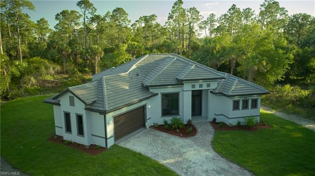 3029 8th St Nw, Naples, FL 34120