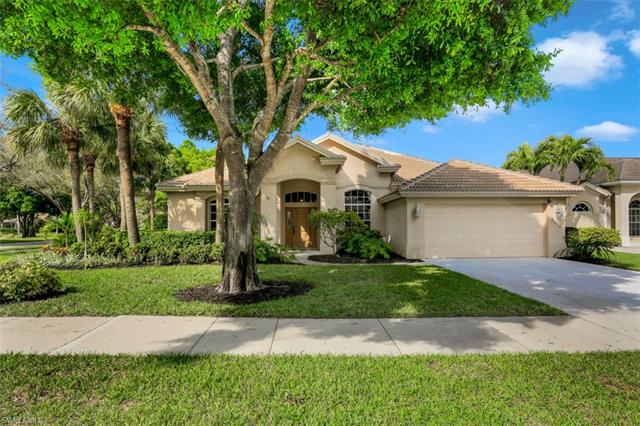 6615 Chestnut Cir, Naples, FL 34109