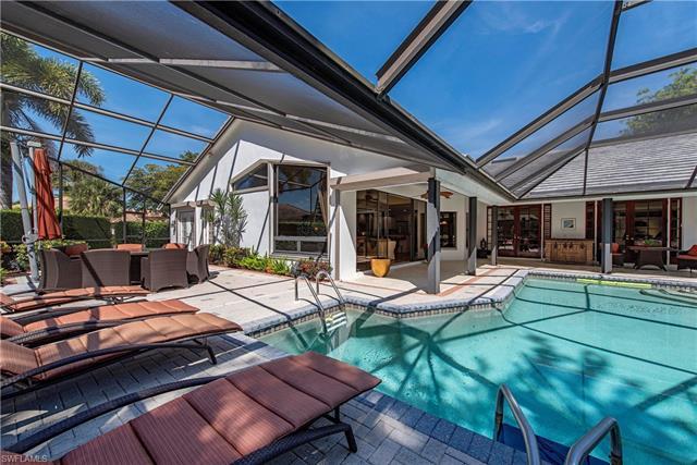 404 Charleswood Ln, Naples, FL 34105