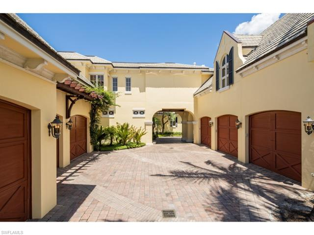 1700 Galleon Dr, Naples, FL 34102