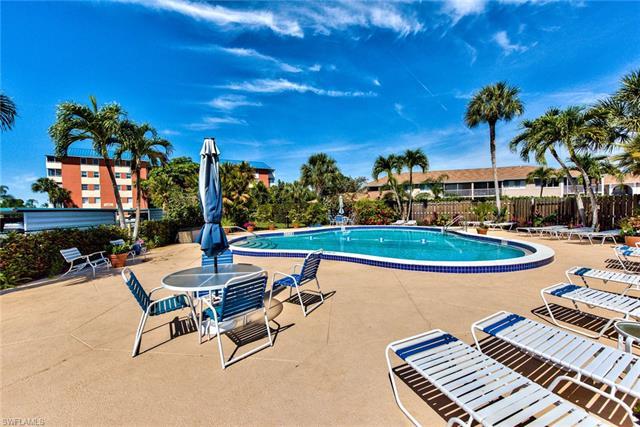 200 Pebble Beach Blvd D-101, Naples, FL 34113