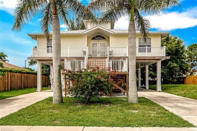 120 Greenview St, Marco Island, FL 34145