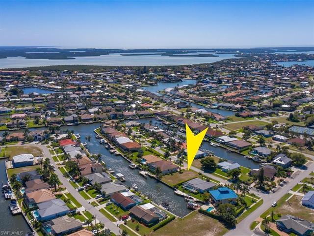 1528 Kingston Ct, Marco Island, FL 34145