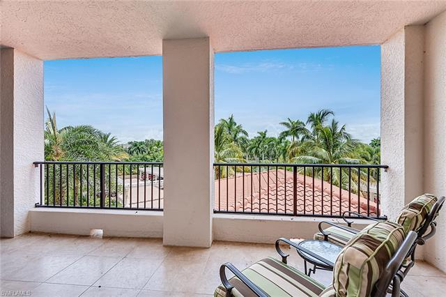 7575 Pelican Bay Blvd 305, Naples, FL 34108