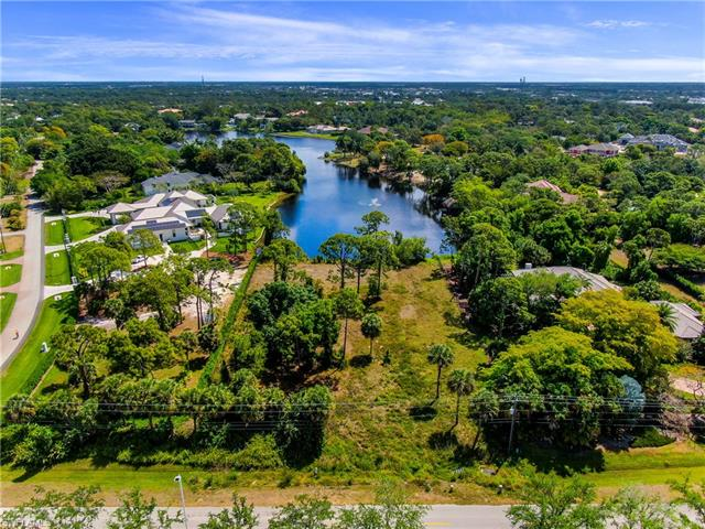 6590 Trail Blvd, Naples, FL 34108