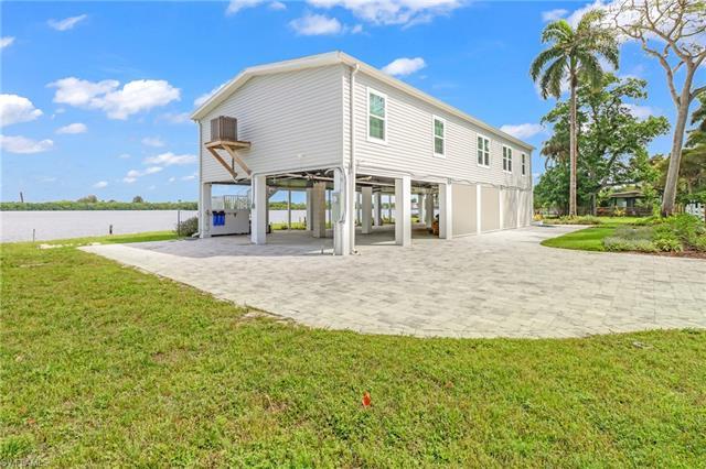 4835 Riverside Dr, Fort Myers, FL 33905