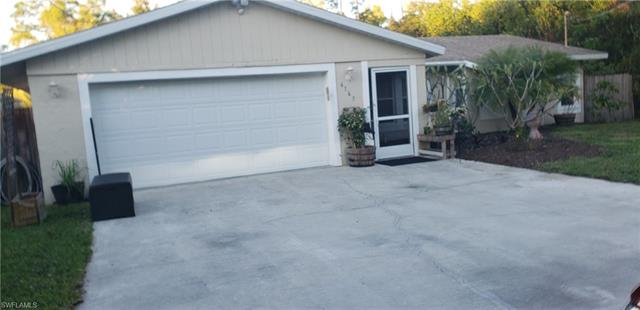 6165 English Oaks Ln, Naples, FL 34119