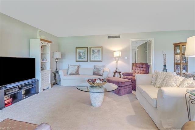 109 Clubhouse Ln 295, Naples, FL 34105