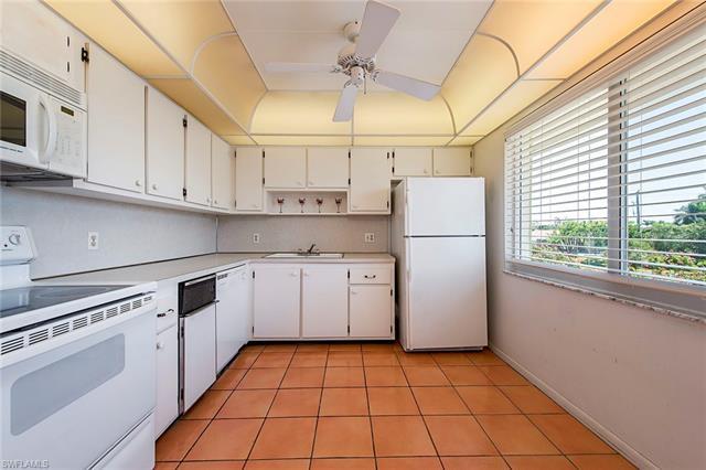581 Teryl Rd 2274, Naples, FL 34112