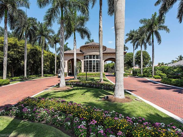 8990 Bay Colony Dr 903, Naples, FL 34108