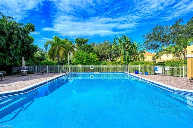 592 Beachwalk Cir N-205, Naples, FL 34108