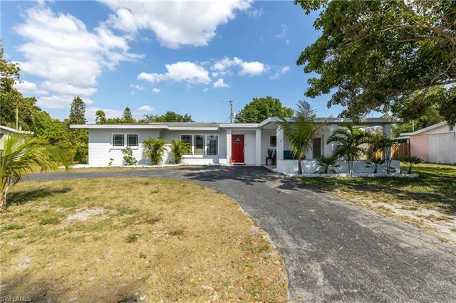 5523 Seville Rd, Fort Myers, FL 33919