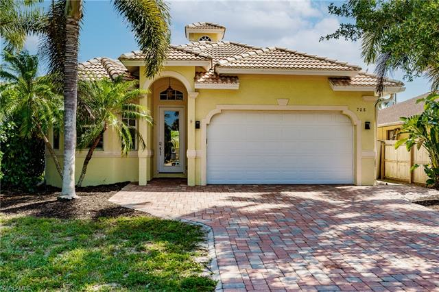 708 108th Ave N, Naples, FL 34108