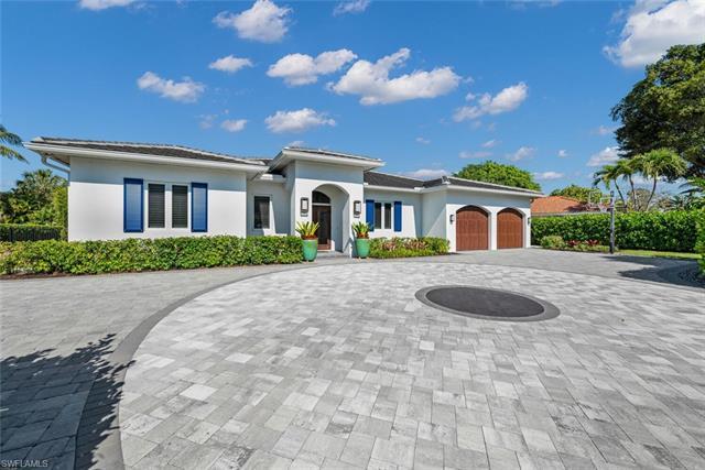 1515 Mandarin Rd, Naples, FL 34102
