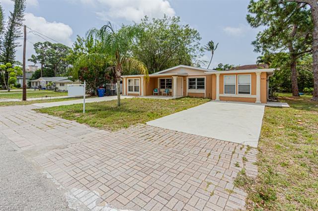 4081/4083 Springs Ln, Bonita Springs, FL 34134