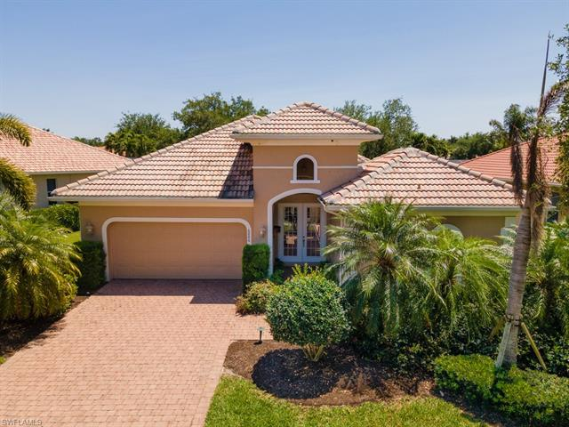 6886 Bent Grass Dr, Naples, FL 34113