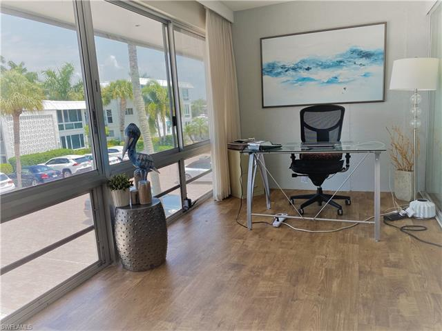 2100 Gulf Shore Blvd N 214, Naples, FL 34102