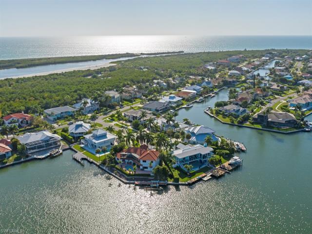 521 Hunkin Ct, Marco Island, FL 34145