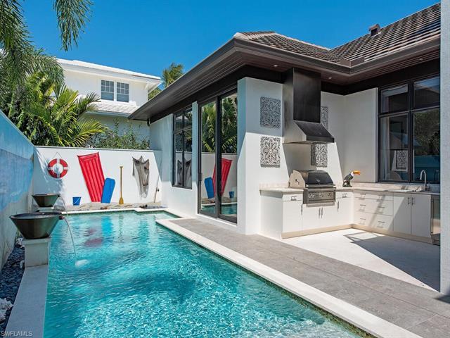 1230 Gulf Shore Blvd S, Naples, FL 34102