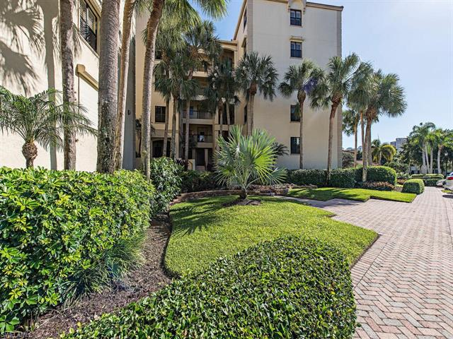 7024 Pelican Bay Blvd F-202, Naples, FL 34108