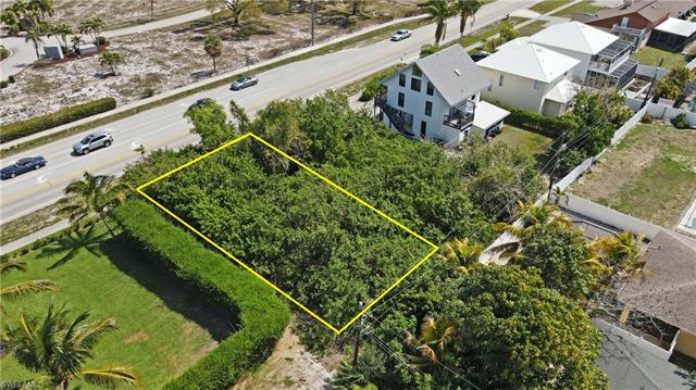 512 111th Ave N, Naples, FL 34108