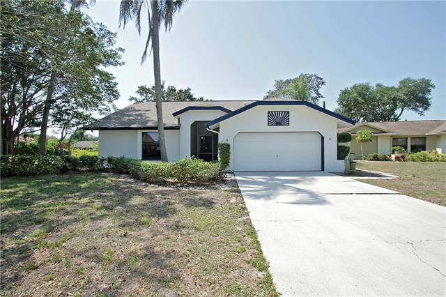 10521 Regent Cir, Naples, FL 34109