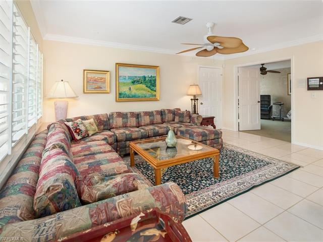 818 Rue Deville 30, Naples, FL 34108