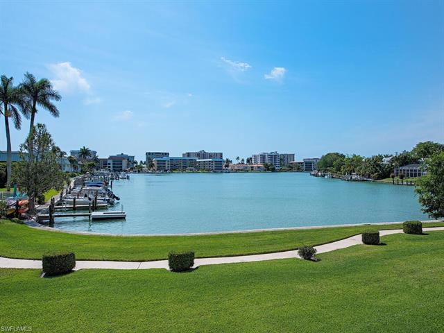 383 Harbour Dr 209, Naples, FL 34103