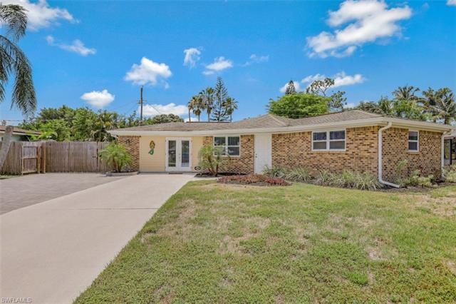 9792 Tonya Ct, Bonita Springs, FL 34135