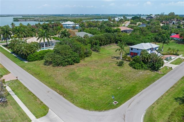 801 Scott Dr, Marco Island, FL 34145