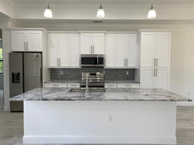 835 20th Ave Nw, Naples, FL 34120