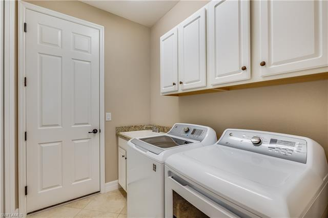 28610 Newtown Ct, Bonita Springs, FL 34135