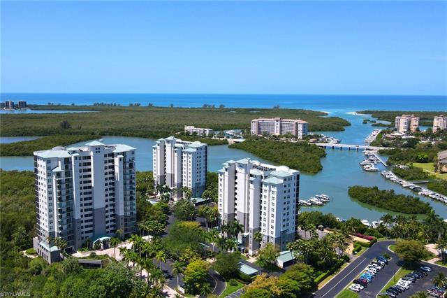 425 Cove Tower Dr 402, Naples, FL 34110