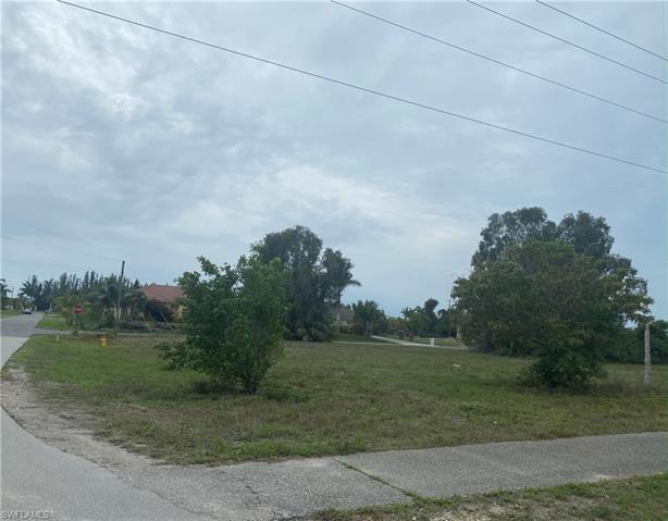 1401 4th St, Cape Coral, FL 33993