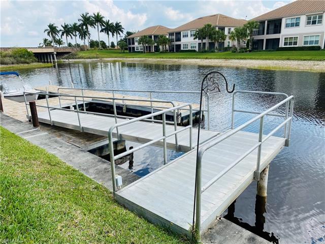 8810 Spinner Cove Ln, Naples, FL 34120
