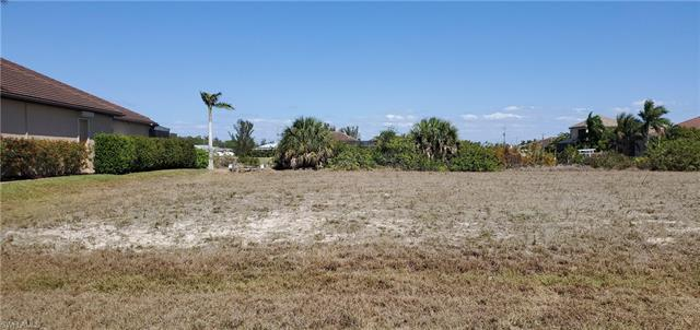 1611 44th Ave, Cape Coral, FL 33993
