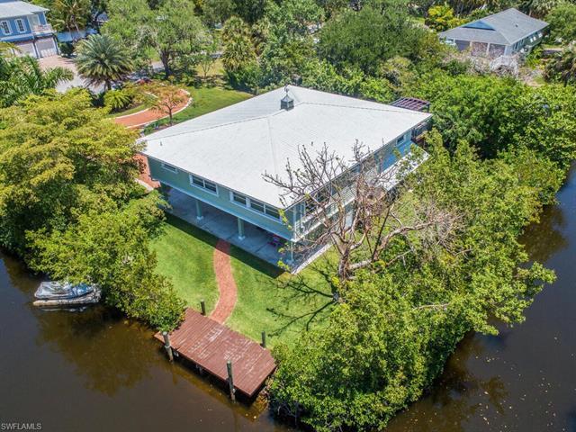 4851 Snarkage Dr, Bonita Springs, FL 34134