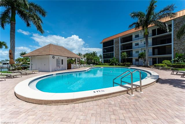 2900 Gulf Shore Blvd 205, Naples, FL 34103