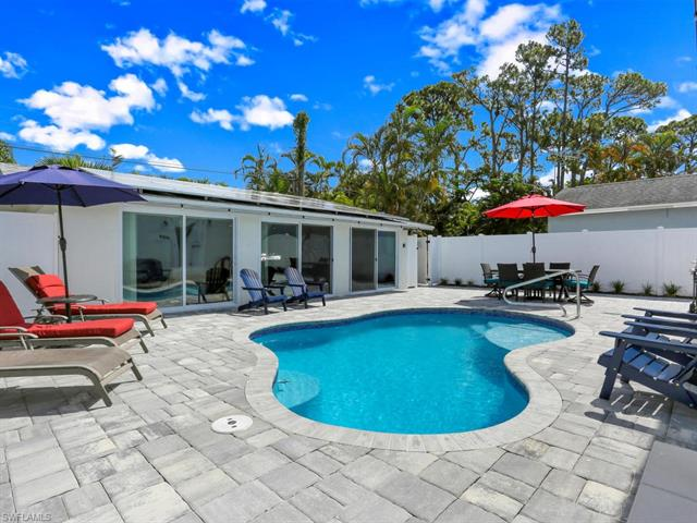 773 95th Ave N, Naples, FL 34108