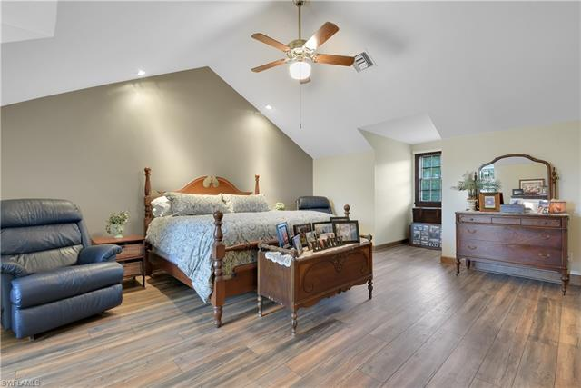 20580 Tanglewood Ln, Estero, FL 33928