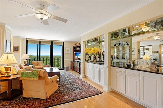 5601 Turtle Bay Dr 401, Naples, FL 34108